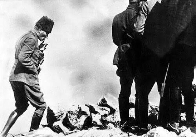 Mustafa Kemal Afyon Kocatepe'de 1922