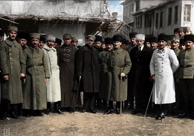 Atatürk Sovyet ve Azerbaycan Elçileriyle